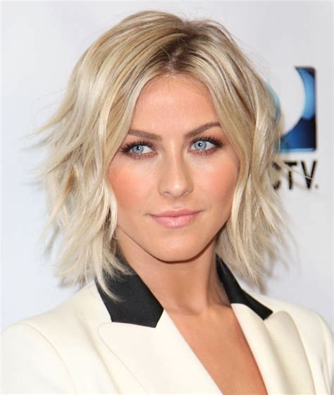hair cut for with chin julianna hough chin length wavy bob hair cut hair