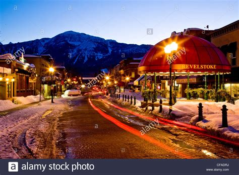 pictures of downtown bc evening in downtown revelstoke in middle of winter