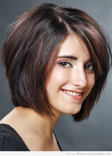 graduated layered blunt cut hairstyle best 25 medium layered bobs ideas on pinterest longer