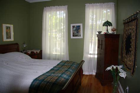 bedroom with beechwood floors dark green walls olpos design dark green bedroom urban squirrel bedroom brighten up