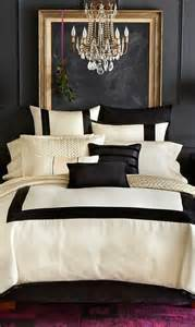 Black And White Bedroom With A Pop Of Color Paredes Escuras House Ideas Style And House