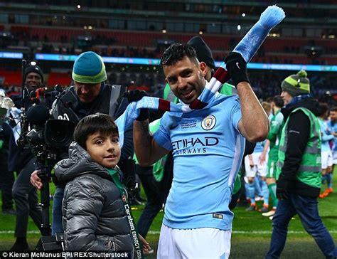 benjamin aguero maradona sergio aguero celebrates man city win over chelsea son