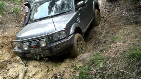 land rover off road land rover discovery 4 off road wallpaper 1280x720 15702