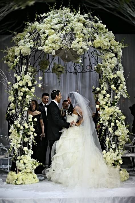 Wedding Arch Nyc by Glamorous White Chuppah Huppah Nyc Capitale Anthony