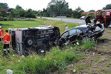 Unfall Motorrad Metzingen by Zwei Verkehrsunf 228 Lle Ein Kradfahrer Tot Zehn Verletzte