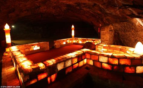 khewra himalayan salt l inside the salt mine so large it has a mosque and electric