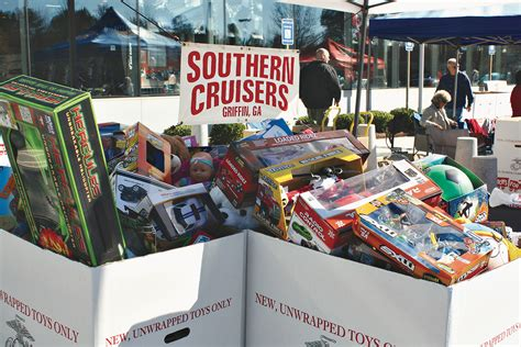 Shop For A Cause Toys For Tots At Overstockcom by Southern Cruisers Car Club Goes Cruising For A Cause At