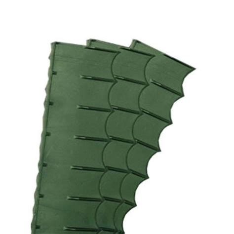 easy gardener emerald edge 4 ft plastic lawn edging 8748