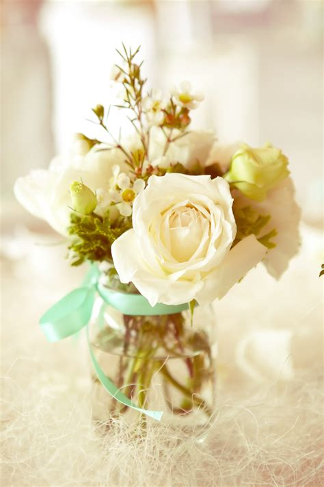 simple table flower arrangements weddings pinterest