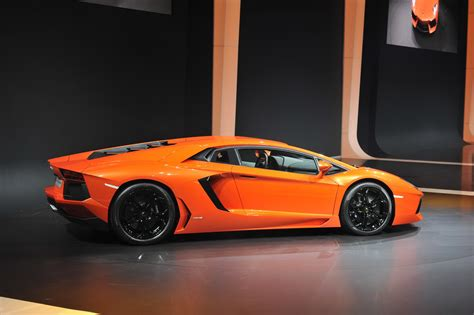 Whats Better Or Lamborghini Which Is The Better Looking Supercar