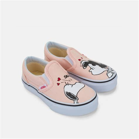 Sepatu Vans Slip On Snoopy shop multi vans peanuts classic slip on toddler for by vans sss