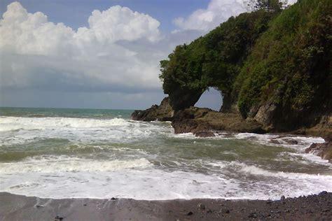 Batu Akik Karang Bolong wisata pantai ayah kebumen informasi sejarah budaya