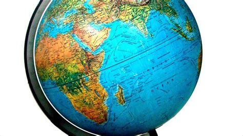 globe and maps difference between earth globe map my
