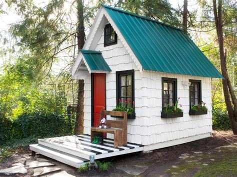 how to build your own hgtv worthy tiny house from avocado