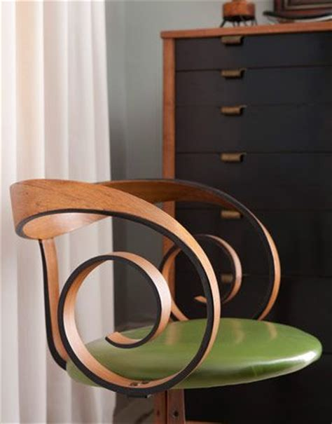 mixing modern and antique furniture 56 best mixing modern with antiques images on pinterest