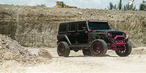 Pink Jeep Wheels This Jeep Wrangler With Pink Fuel Wheels Is Manly