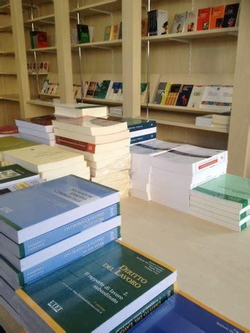 riapre la libreria dell universit 224 varesenews