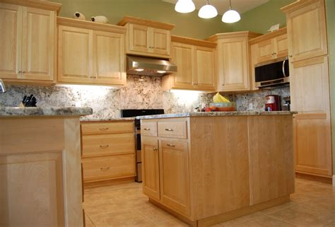 Maple Kitchen Furniture Traditional Birch Kitchen Cabinets Davis Haus Custom Furniture Sarasota Florida