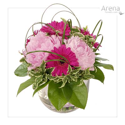 small floral arrangements pretty pink glass bowl table arrangement flowers cerise gerberas