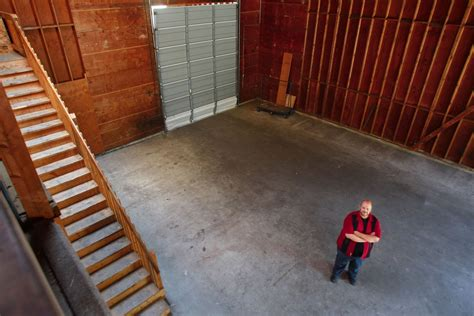 red curtain foundation old lumber store gives arts group a home in marysville