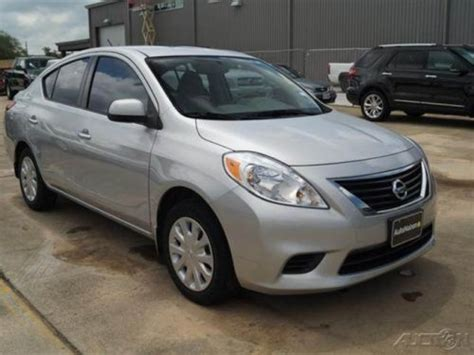 nissan versa front wheel drive buy used 2012 nissan versa sv front wheel drive 1 6l i4