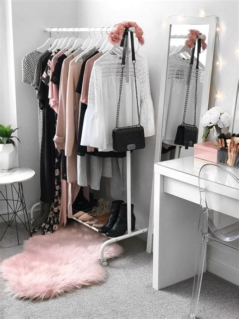 bedroom clothes best 25 clothes rack bedroom ideas on pinterest clothing