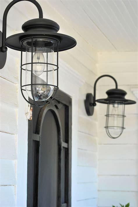 Farm Style Light Fixtures Laurieanna S Vintage Home Farmhouse Friday 5 Farmhouse Porch
