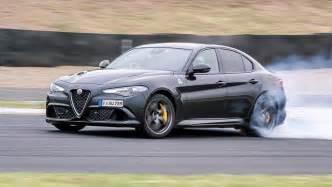 Alfa Romeo Guilia Alfa Romeo Giulia Qv 2017 Review Carsguide