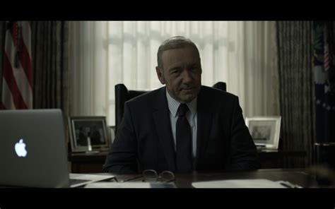house ofcards macbook pro house of cards tv show scenes