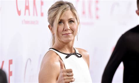 jennifer aniston reveals struggles with dyslexia anger jennifer aniston opens up about her struggle with anger