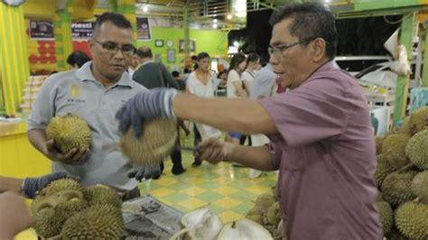 rahasia sukses durian ucok medan  terkenal