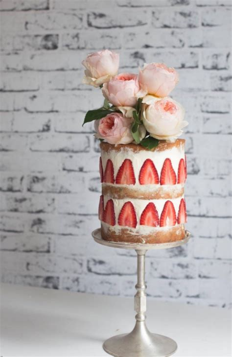 Variety Of Wedding Cakes by Variety Of Unique Topping For Small Wedding Cakes Roowedding