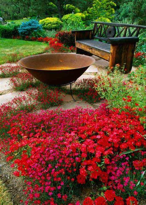 Petit banc de jardin en bois, pierre ou métal  52 idées