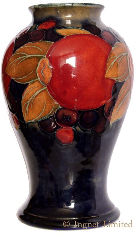 Moorcroft Pomegranate Vase Value by William Moorcroft Pomegranate Vase Ingnet