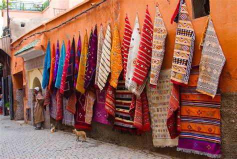 buying rugs in morocco 15 things you must buy in the marrakech souks travel clickstay