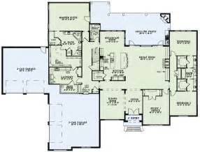 floor master house plans like the master closet attached to laundry floor