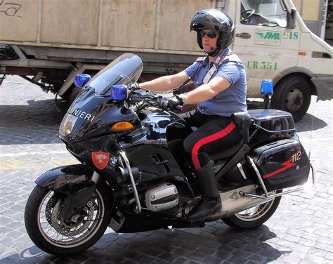 carabinieri wiktionnaire