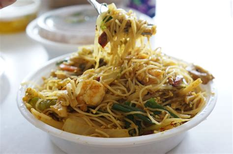 o mei vegetables singapore chow mei rice noodle w eggs pork shrimp