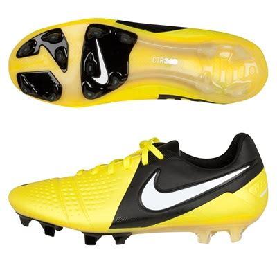 Sepatu Bola Warrior Skreamer Bola 10 Sepatu Sepakbola Terbaik Yang Digunakan Pemain
