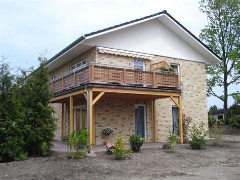 terrasse oder balkon balkone terrassen zimmerei holzbau gmbh