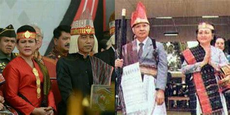 Baju Aliansi pakai baju adat batak beda antara jokowi dan suharto