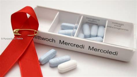 hiv symptome wann aids erkrankung ursachen symptome behandlung und