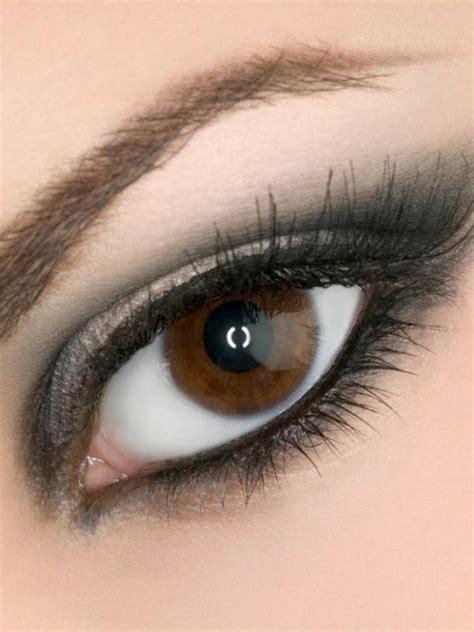 Eyeshadow Agar Mata Terlihat Besar cara make up agar mata besar terlihat sipit 4k wallpapers