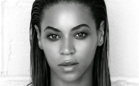 Beyonce S | beyonce s makeup artist reveals singer s must have beauty