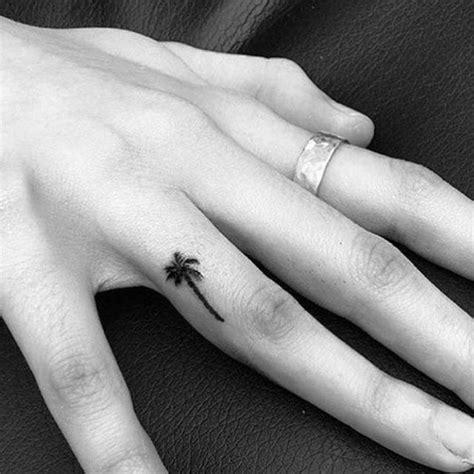 finger tattoo palm tree best 25 palm tree tattoos ideas on pinterest ankle