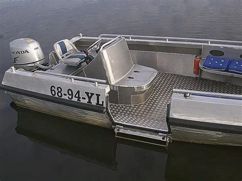 aluminium boot met motor algemene vaarbewijsverplicht voor alle schepen op alle