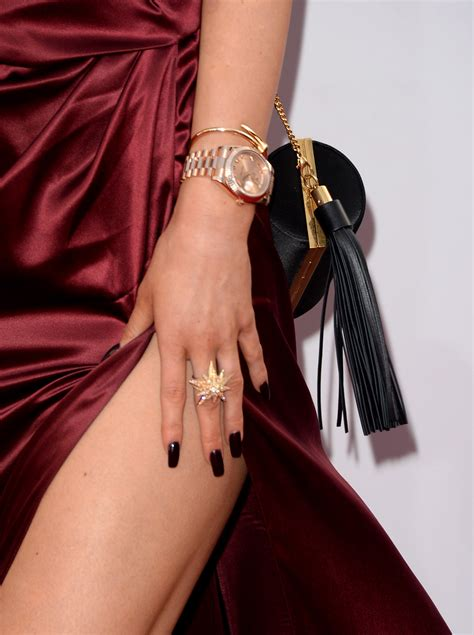 kim kardashian coffin nails are the kardashians nails real or are their famous claws