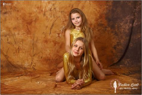 angelica model sets fashion land mika and angelica fashion models bonus set 1 057 modelblog