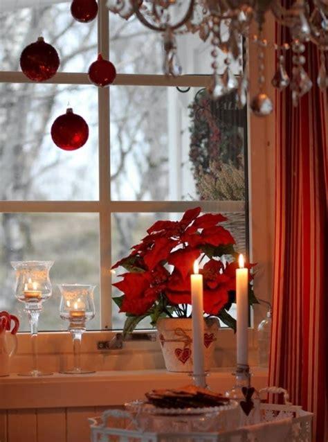 Fenster Mit Weihnachtsdeko by Weihnachtsdeko In Rot F 252 R Eine Romantische Feststimmung