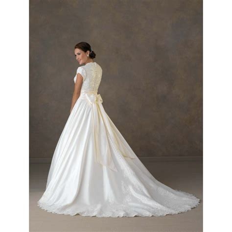 things know before buying modest wedding dresses